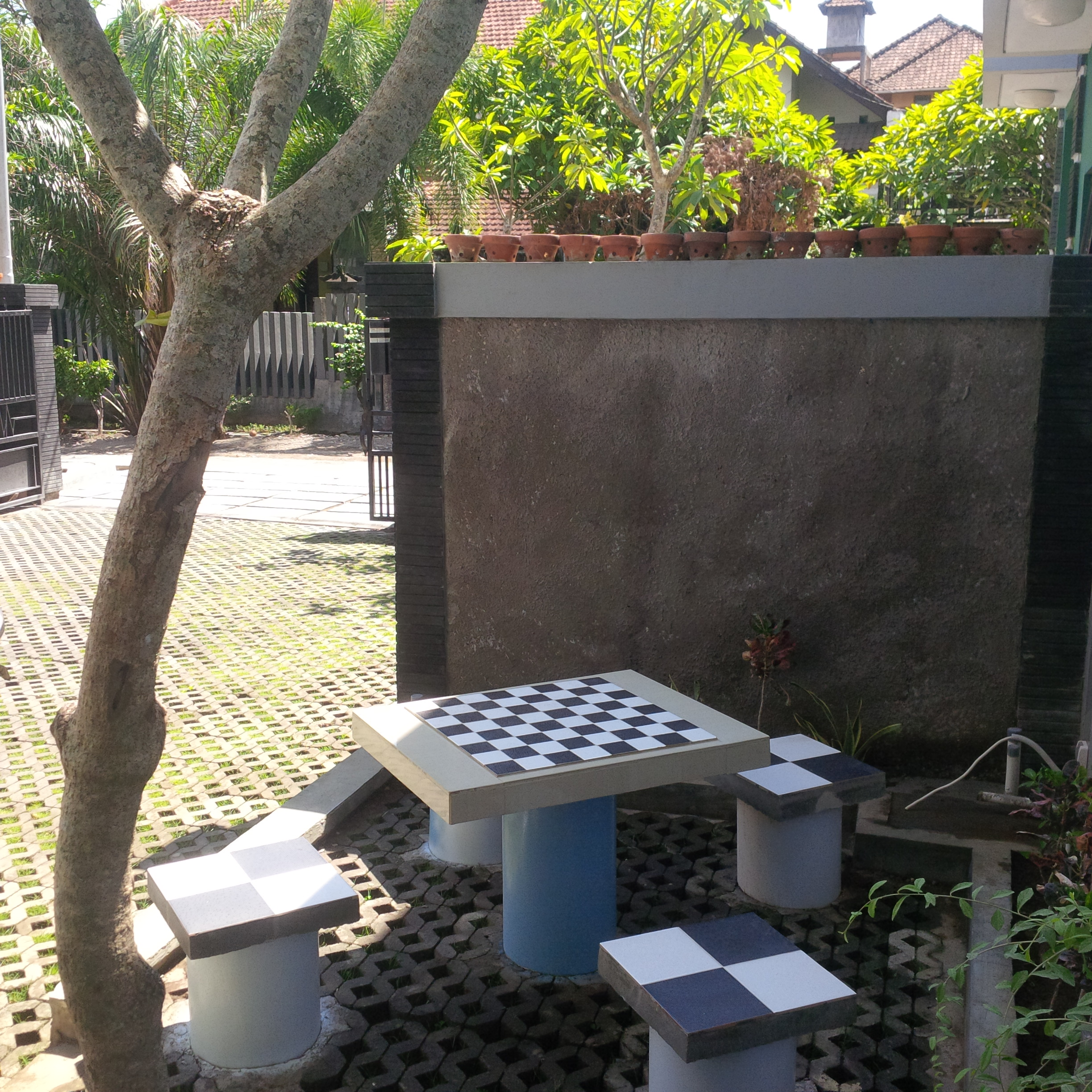 Mekarsari Table luar